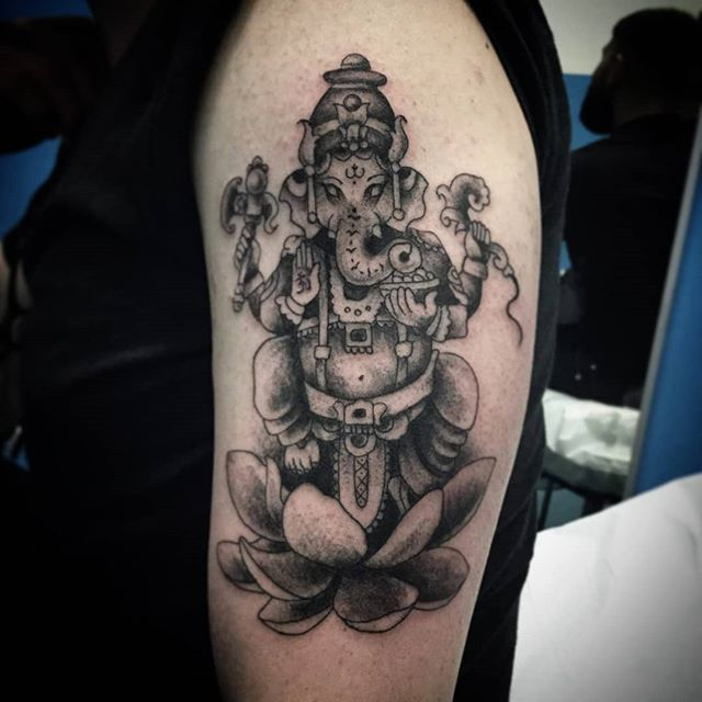 Tatuaggio appena eseguito da Arrigo. Braccio in corso d'opera! -