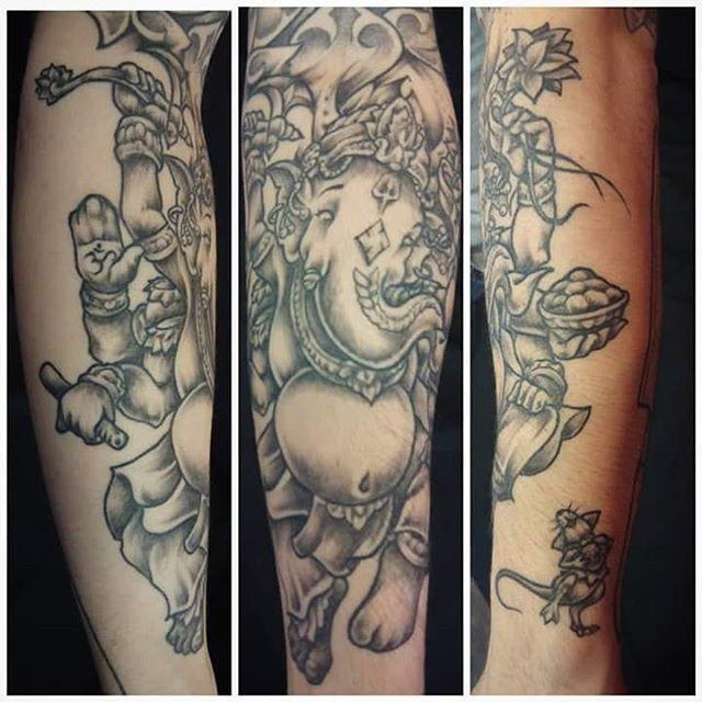 Tatuaggio in corso d'opera effettuato da Fede. -