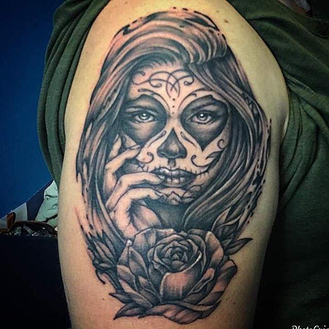 Tatuaggio, calavera, appena eseguito da Fede! -