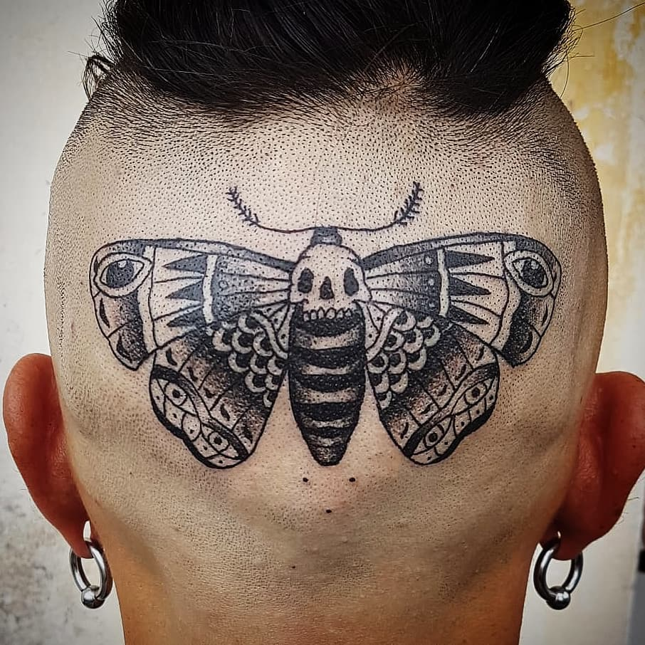 Tatuaggio appena eseguito da Sabina che vi aspetta su appuntamento fino al 31 agosto, poi tornerà dei nostri a settembre! -